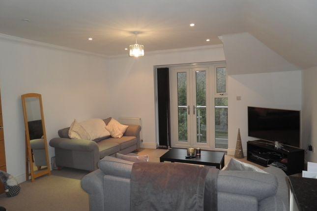 Living Room 2 Of 7 Kingsmead View High Wycombe Buckinghamshire HP11