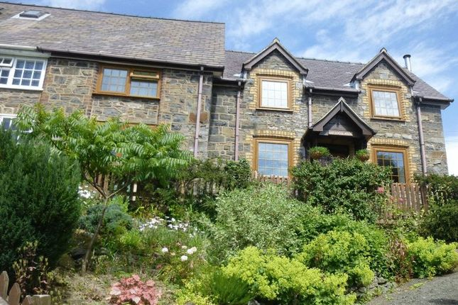 3 bed semi-detached house for sale in Trefeglwys, Caersws