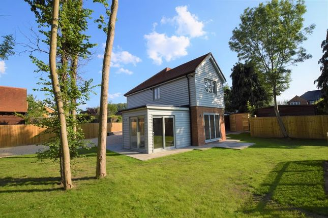 4 bed detached house to rent in Thame Road, Longwick, Princes Risborough HP27