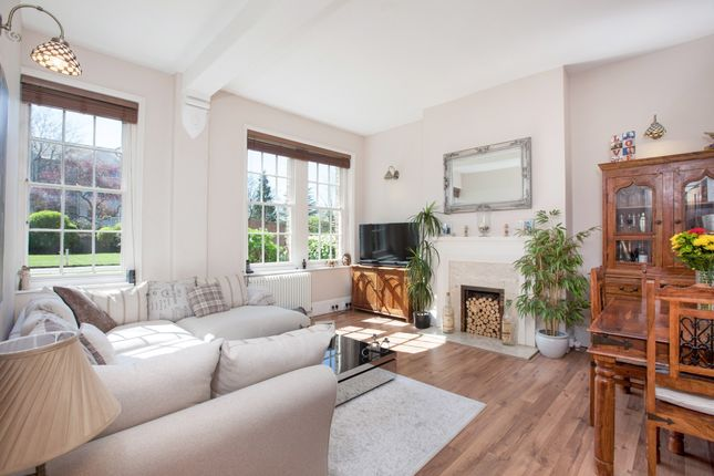 2 bed flat to rent in Camperdown House, Alma Road, Windsor