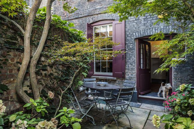 Thumbnail Terraced house for sale in Fournier Street, Spitalfields, London