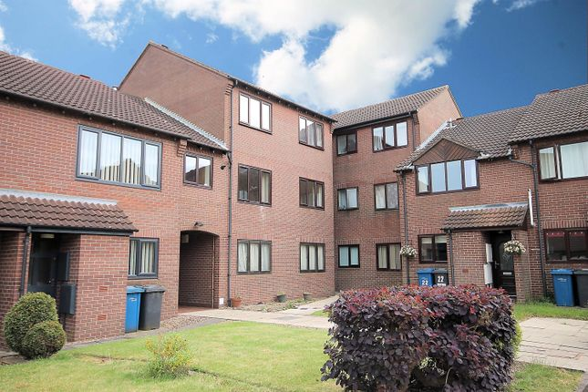 Thumbnail Flat to rent in Saxon Mill Lane, Tamworth