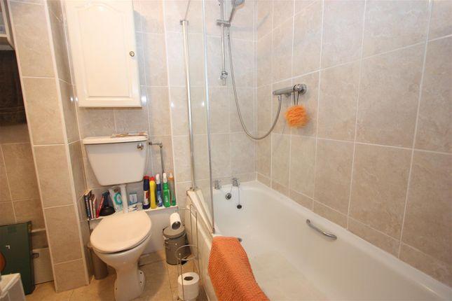 Bathroom of East Street, Weymouth DT4