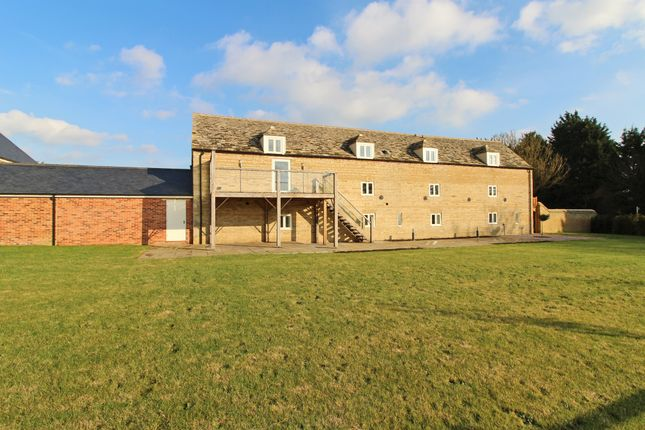 Thumbnail Property for sale in Vergette Court, Market Deeping, Peterborough