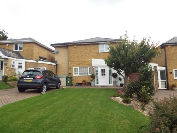 Thumbnail Detached house for sale in Gaynesford, Basildon