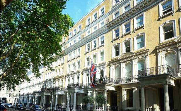 Thumbnail Flat to rent in Beaufort Gardens, Knightsbridge London