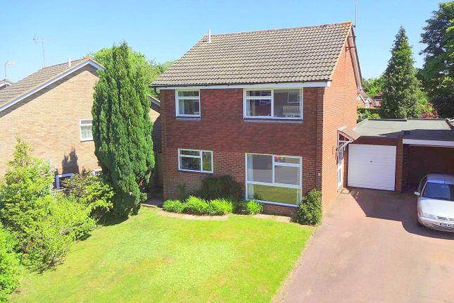 Thumbnail Detached house to rent in Woodridge Close, Haywards Heath