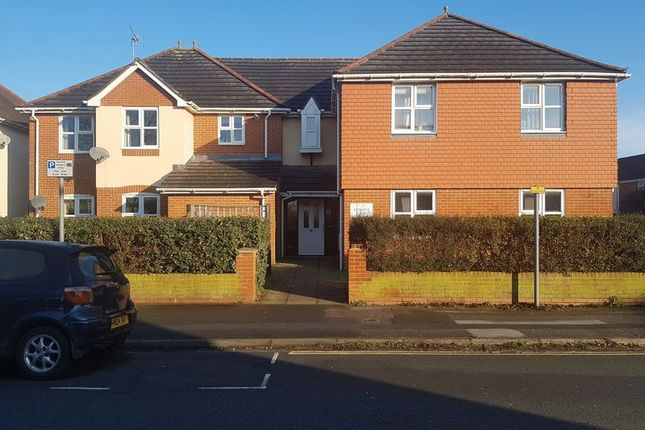 Thumbnail 2 bed flat for sale in 24, Blenheim Road, Eastleigh
