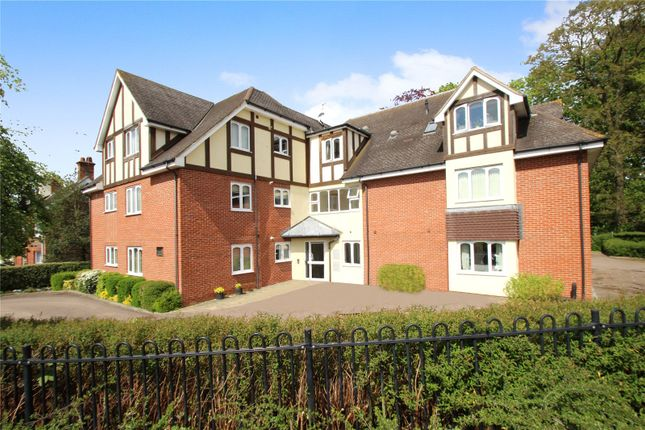 Thumbnail Flat for sale in Stangrove Road, Edenbridge