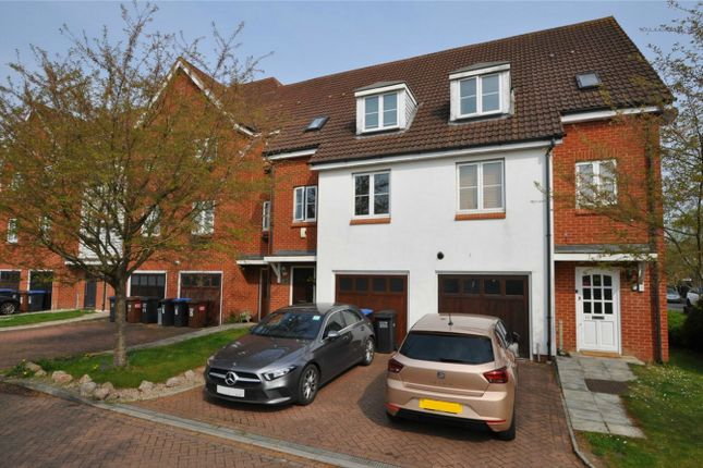 Thumbnail Terraced house for sale in Lawrence Hall End, Welwyn Garden City, Hertfordshire