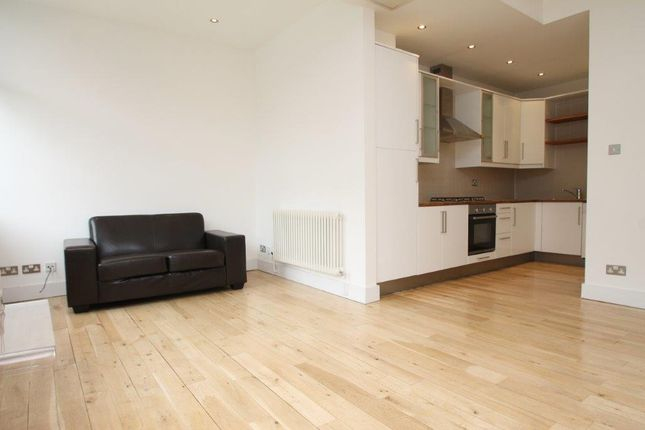 Thumbnail Flat to rent in Thrawl Street, Spitalfields