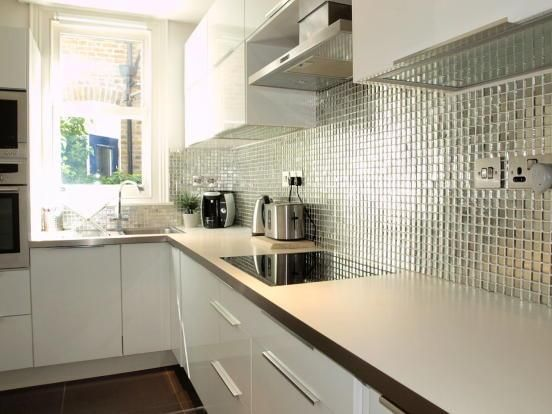 Thumbnail Flat to rent in Summerland Gardens, London