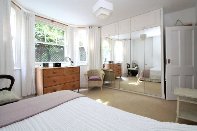 Maisonette For Sale In St. Johns House, Susan Wood, Chislehurst, Bromley