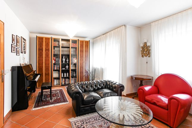 Thumbnail Apartment for sale in San Candido, Südtirol, San Candido, Bolzano, Trentino-South Tyrol, Italy