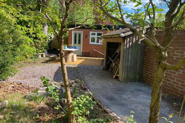 Thumbnail Detached bungalow to rent in Halliwell House, Hale, Altrincham