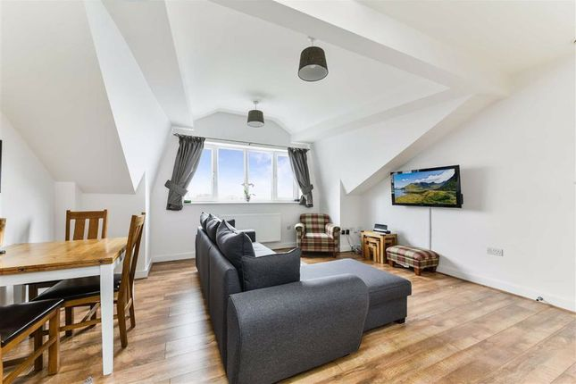 Flat for sale in Sutton Court Road, Sutton