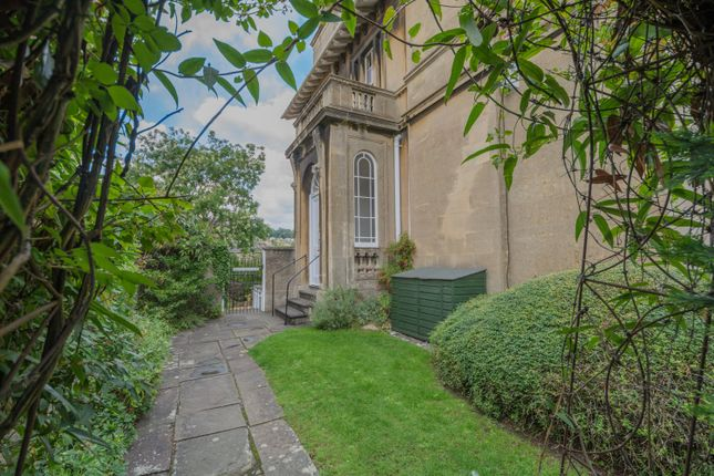 Thumbnail Flat to rent in Beckford Road, Bath
