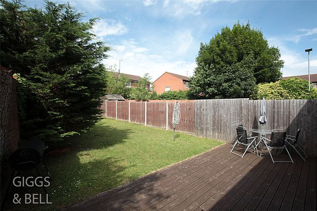 Picture No. 20 of Wootton Close, Luton, Bedfordshire LU3
