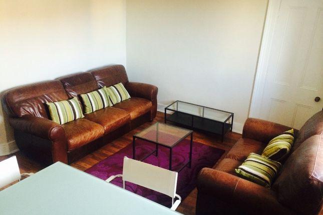 Thumbnail Flat to rent in Raeburn Place, Rosemount, Aberdeen AB251Pq