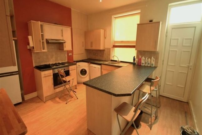 Thumbnail Terraced house to rent in Hartley Avenue, Woodhouse, Leeds