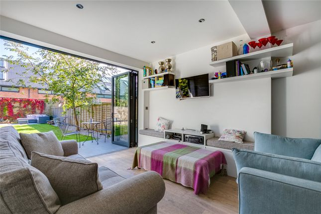 Thumbnail Flat for sale in Winchester Avenue, London
