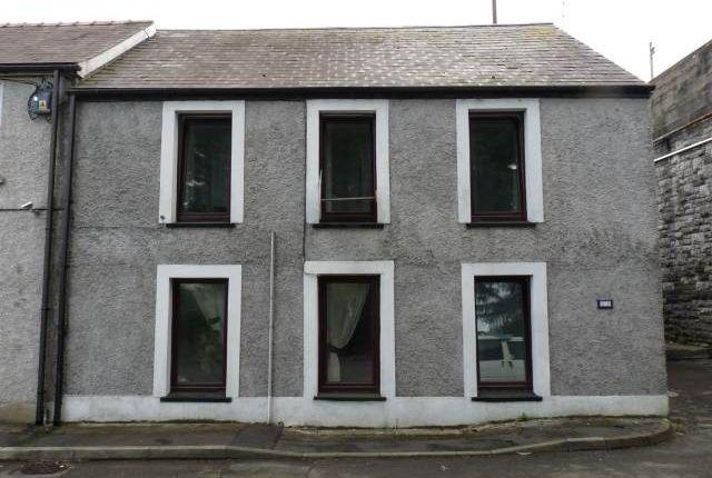 Thumbnail Flat to rent in Old Llangunnor Road, Carmarthen, Carmarthenshire