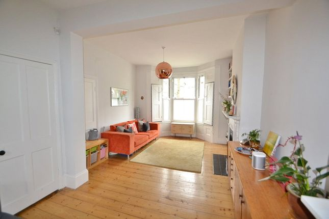 Thumbnail Terraced house for sale in Kiver Road, Archway, London