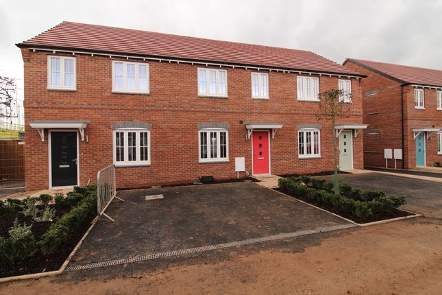 Thumbnail Town house to rent in Laxton Close, Nottingham