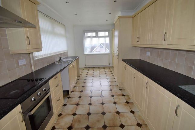 Thumbnail Bungalow to rent in Waltham Close, Morriston, Swansea