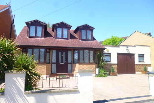 Thumbnail Detached bungalow for sale in Victoria Road, New Barnet, Herts