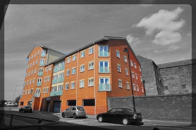 Thumbnail Flat for sale in Tradewinds, Old Harbour Court, Wincolmlee, Hull, East Riding Of Yorkshire