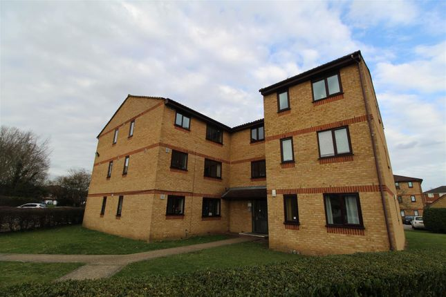 1 bed block of flats to rent in Lowestoft Drive, Burnham, Slough SL1