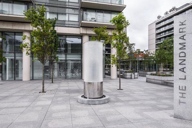 Thumbnail Flat to rent in Landmark Building, 24 Marsh Wall, Canary Wharf, South Quay, London