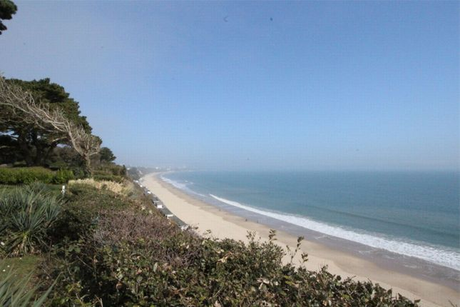Thumbnail Flat to rent in Martello Park, Canford Cliffs, Poole