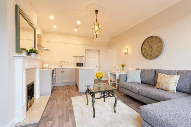 Thumbnail Flat to rent in Saville Place, Bristol