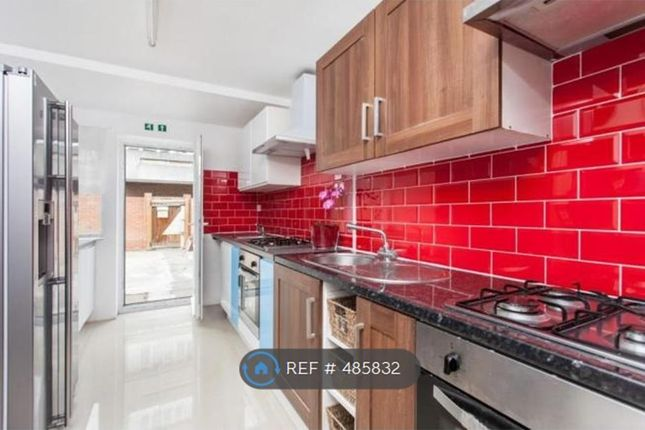 Thumbnail Room to rent in Lensbury Way, London