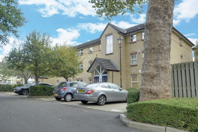 Thumbnail Flat for sale in Monmouth Close, Chiswick