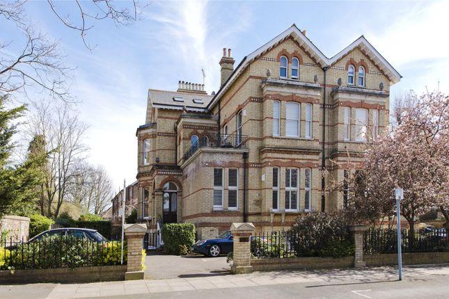 2 bed flat for sale in Riverdale Road, Twickenham