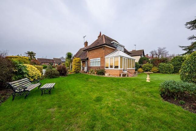 Thumbnail Bungalow for sale in Shelford Road, Radcliffe-On-Trent, Nottingham