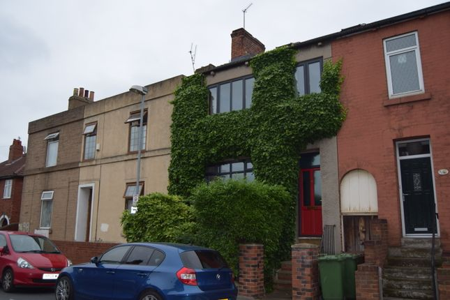 Thumbnail Terraced house to rent in Pinderfields Road, Wakefield