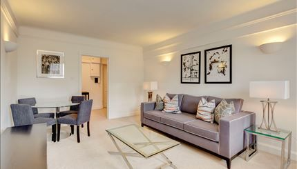 1 bed flat to rent in Pelham Court, Chelsea, London