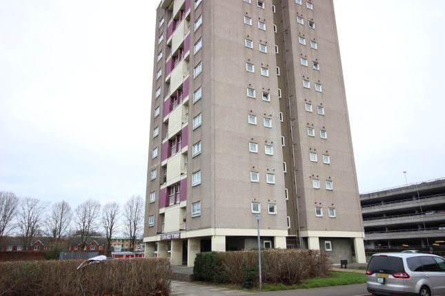 Thumbnail Flat for sale in Edmunds Tower, Harlow