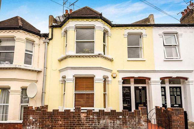 3 bed maisonette for sale in Aslett Street, London