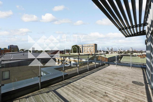 Thumbnail Flat to rent in Monmouth Court, Coopers Road, Bermondsey