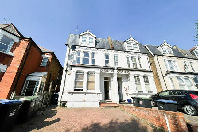 Thumbnail Studio to rent in Palmerston Crecent, Palmers Green
