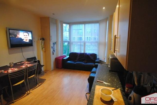 Thumbnail Flat to rent in 185 Kirkstall Road, Leeds