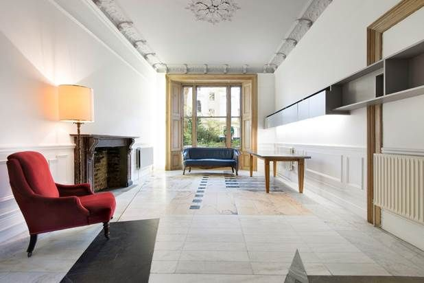 Flat for sale in Kensington Gardens Square, London