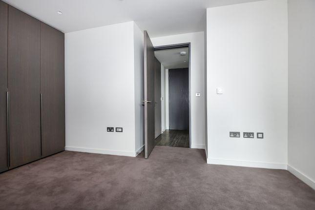 Bedroom of The Lighterman, Pilot Walk, Greenwich Peninsula SE10