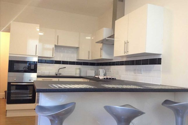 Thumbnail Flat to rent in Alton Place, North Hill, Mutley, Plymouth