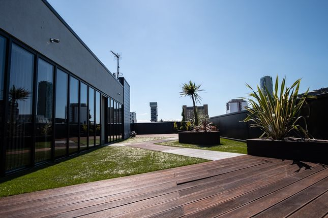 Thumbnail Flat for sale in Pall Mall, City Centre